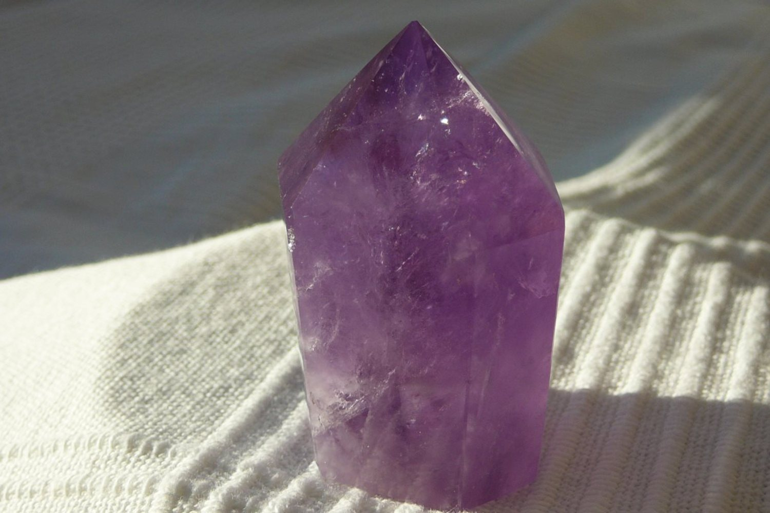 Amethyst -Spitze</br>  </br>   H:5,0cm</br>   Art.Nr.00AS14</br>  </br>   €   23,00